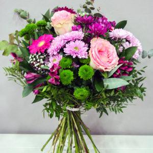 Calipso: Ramo de flores variado tonos rosas · Floristería Los Santos Niños · Alcalá de Henares · Madrid