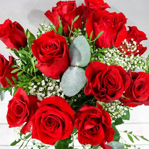 Eros: Ramo de rosas rojas · Floristería Los Santos Niños · Alcalá de Henares · Madrid